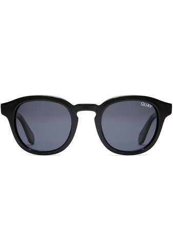 Walk On Sunglasses in Black/Smoke
