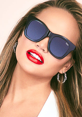 X Chrissy Teigen After Hours Sunglasses in Shiny Black