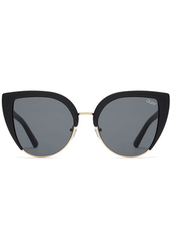 X Missguided Oh My Dayz Sunglasses in Black/Smoke