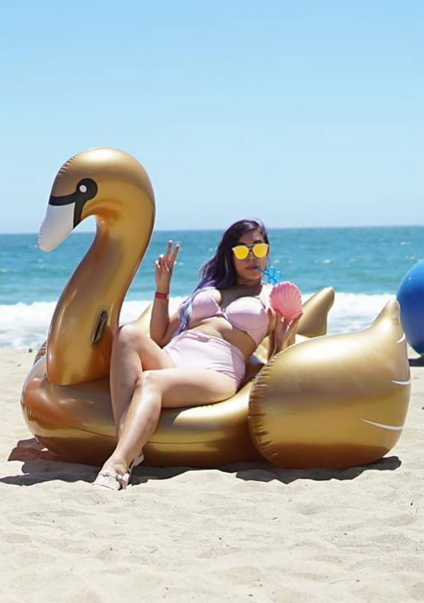 Luxe Ride-On Gold Swan Float