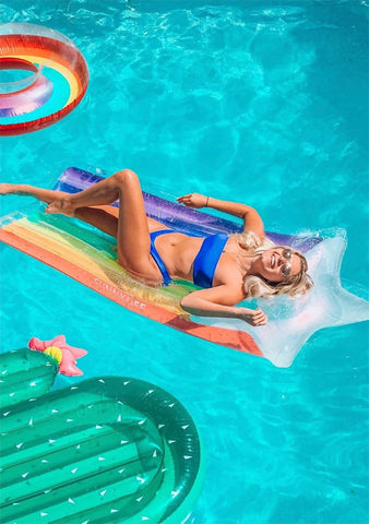 Luxe Lie-On Float in Rainbow