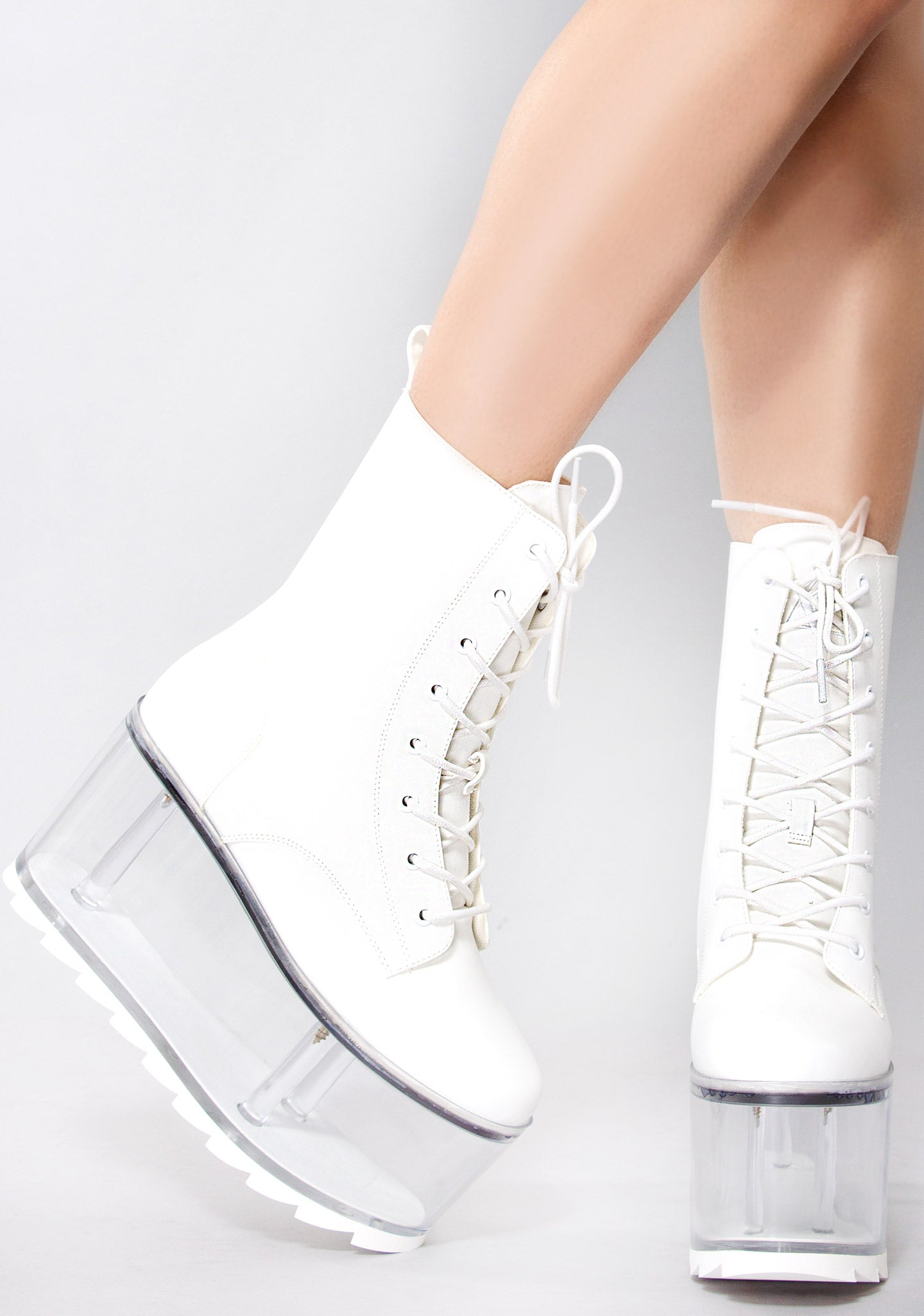 Qloud Ultra Platform Boots in White