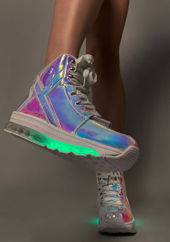 Y.R.U. Qozmo Aiire Hologram Sneakers in Atlantis