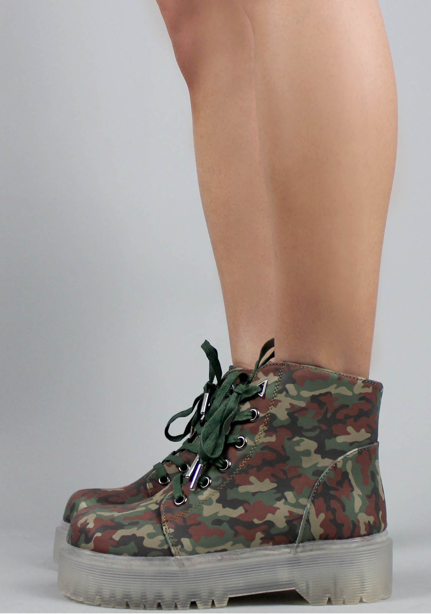 Y.R.U. Slayr Reflective Boots in Camo