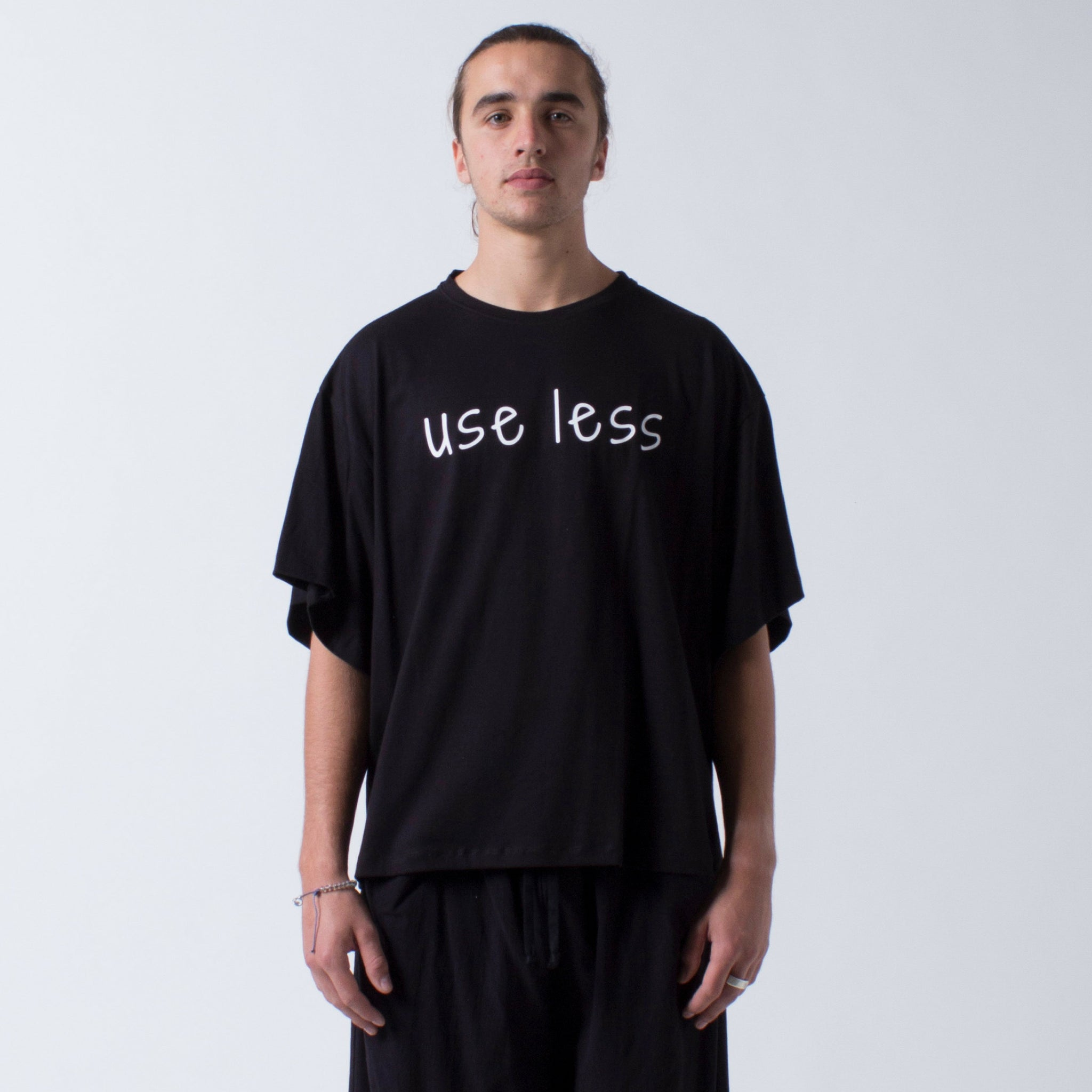 Baggy Tee 'use less' screenprint