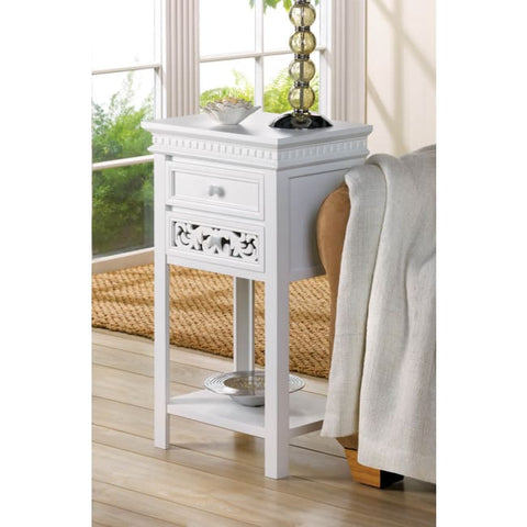 Fleur-De-Lis Side Table Living Room > Console & Sofa Tables