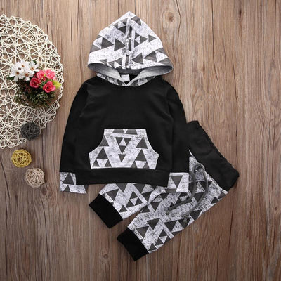TRIANGLE Hoody Outfit