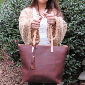 Kodiac Tote With Zipper - Leather Pasture