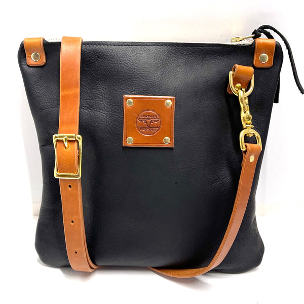 Mini Messenger in Black - Leather Pasture