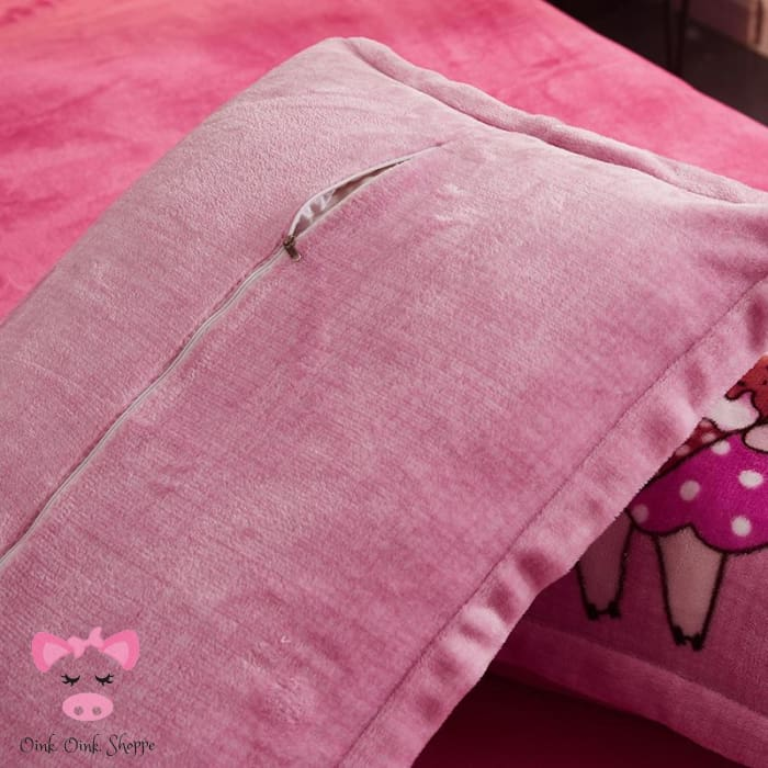 Snugglelicious Snout Bed Set