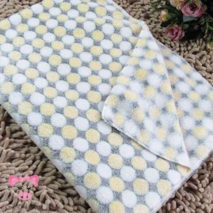 Soft & Cuddly Fleece Piggy Blankie - Yellow / 100X80Cm