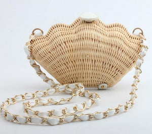 Vintage Straw Shell Handbag