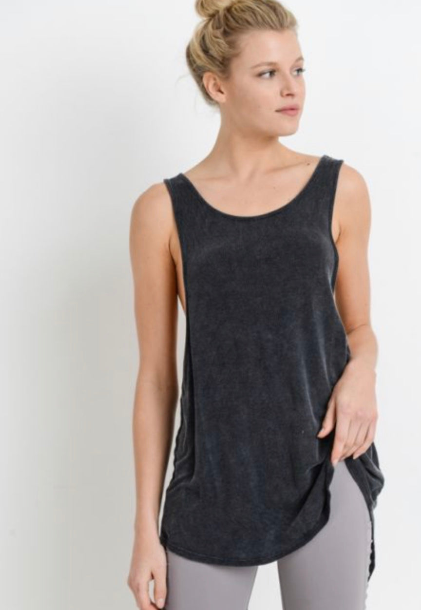 Long Cutout Back Tank (black)