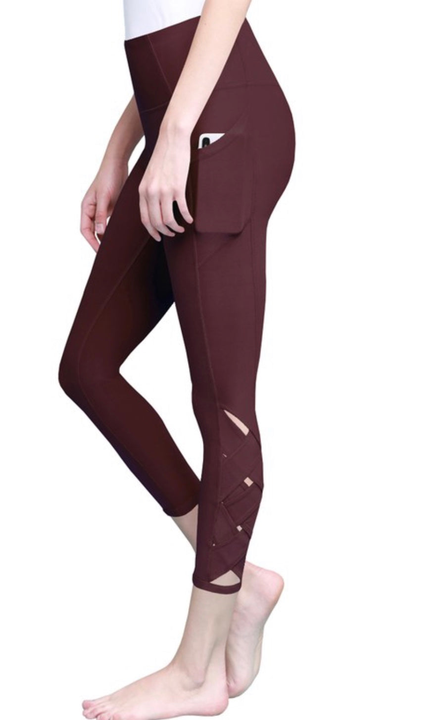 Braided 7/8 Capri Leggings (wine)