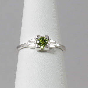 Embrace Ring with Green Peridot