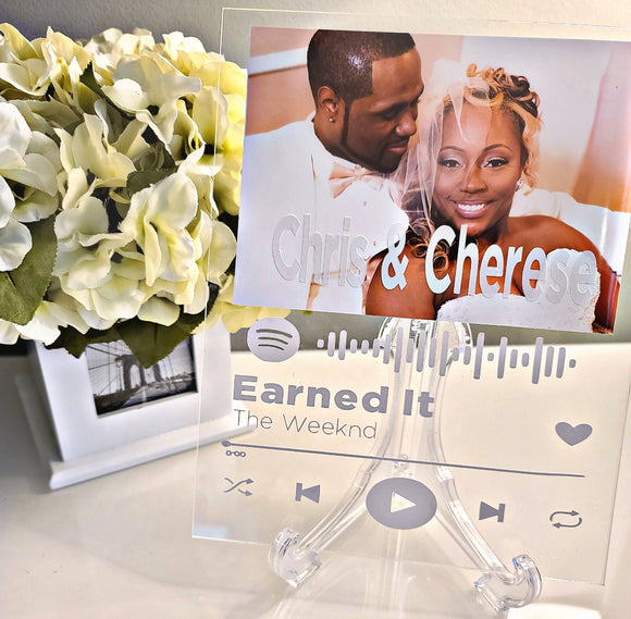 Spotify Music Plaque and Personalized Gift Box