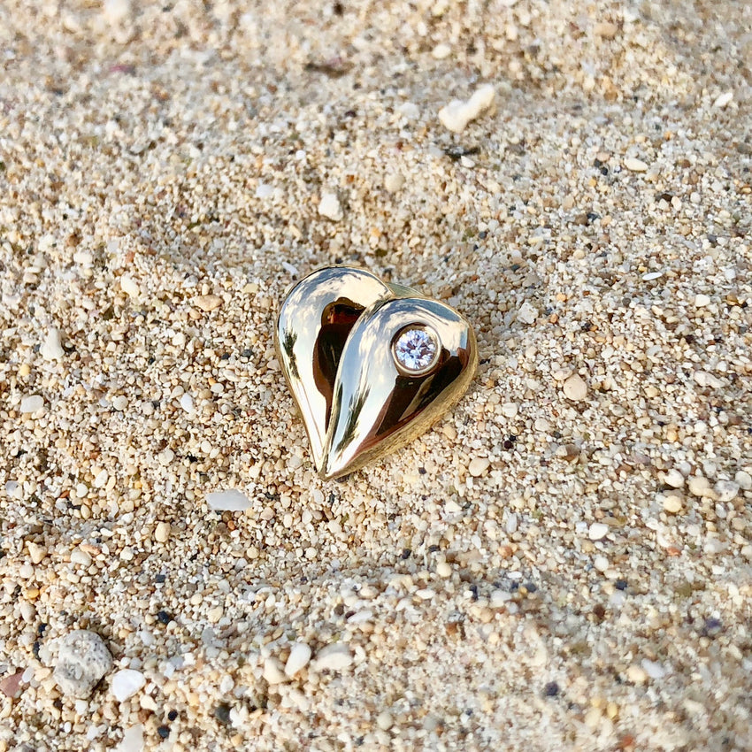 Loving Heart - Diamond Solitaire Pin