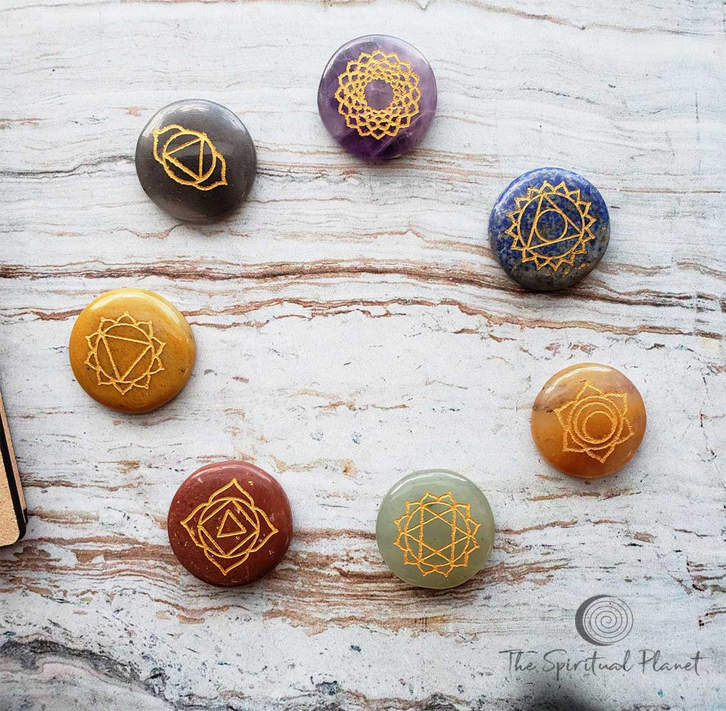 Flower of Life 7 Chakra Set Crown: Amethyst Third Eye: Lolite  Throat: Lapis Lazuli     Heart: Green Aventurine Solar Plexus: Citrine Sacral: Orange Calcite  Root: Red Jasper Align your Chakras