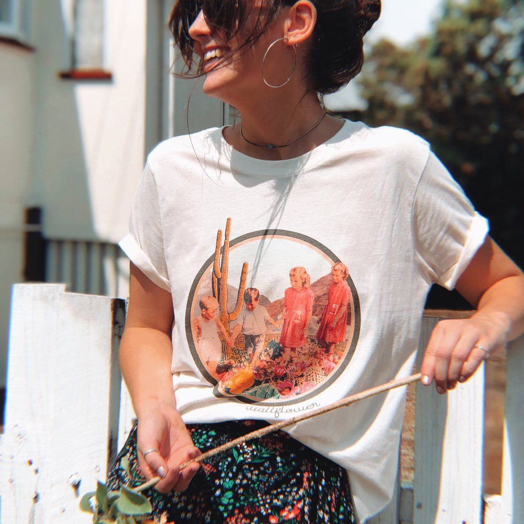 Womens Wallflower Tee