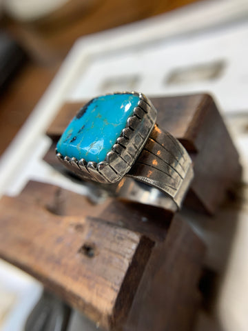 Vintage Large Navajo Turquoise Sterling Silver Ring - Savage Finds
