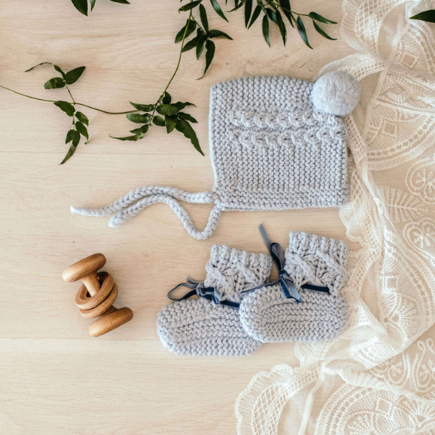 Snuggle Hunny Kids- Blue Bonnet  & Bootie Set