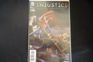 Injustice Gods Among us 10 (b31) DC 2009