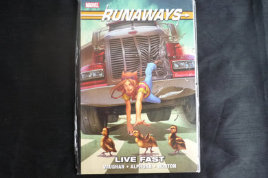 Runaways live fast  softcover graphic Novel (b12) mArvel