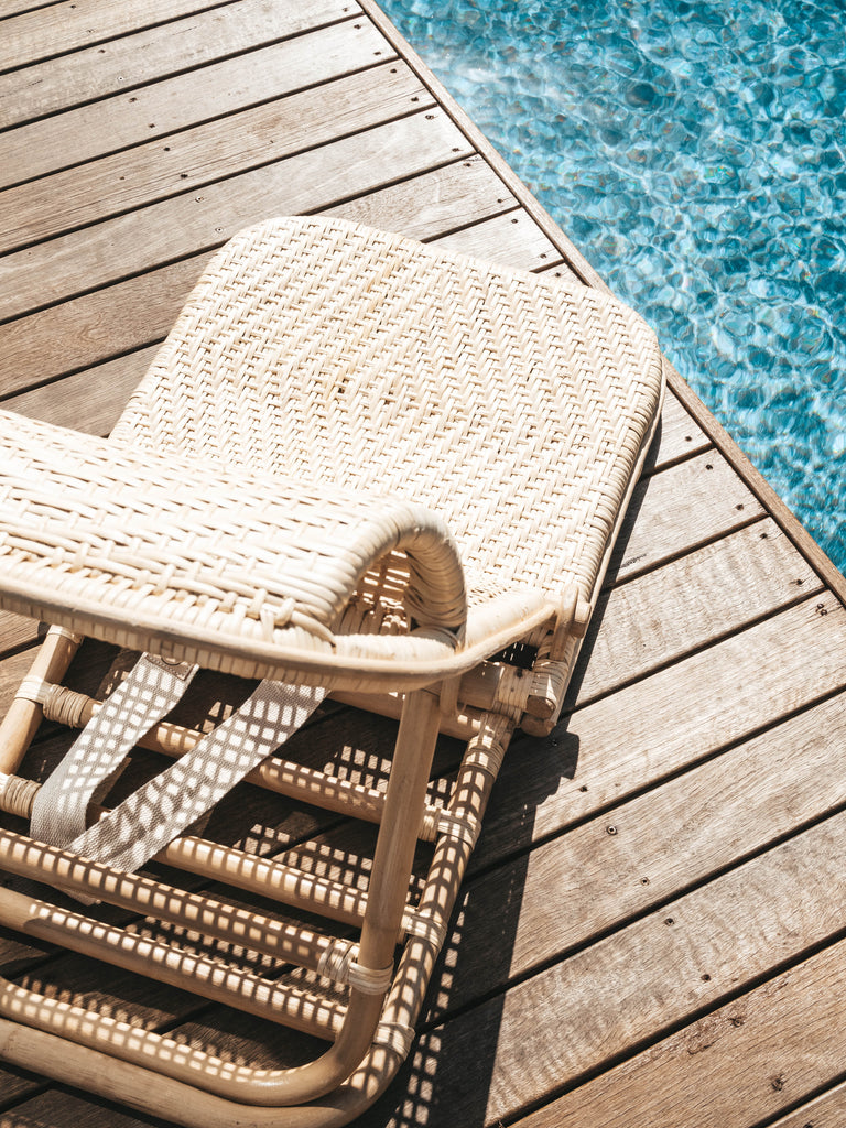 Beach-chair-rattan-land-and-sand-essentials