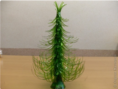 41 - Plastic Bottle Christmas Tree - FOSH