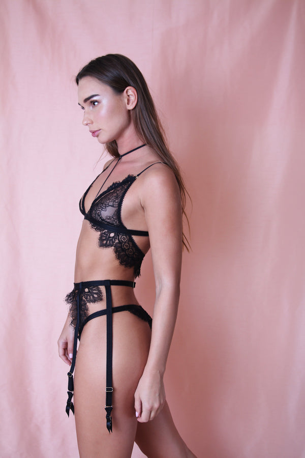 Tisja Damen // Techniques of Love Silk Lace Bralet - Studio asanawa