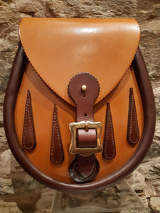 Herd of Sporrans - Handcrafted Tan & Chestnut Brown Tear Drops Buckle Leather Lomond Sporran