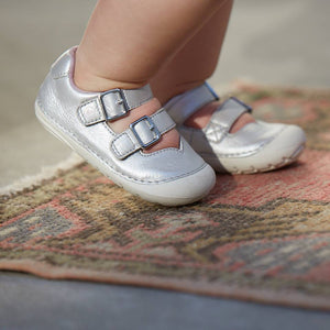 Stride Rite Shoes & Sandals