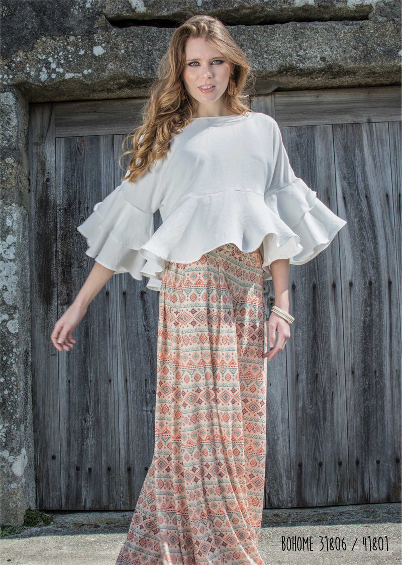 Ruffle blouse on the sleeve