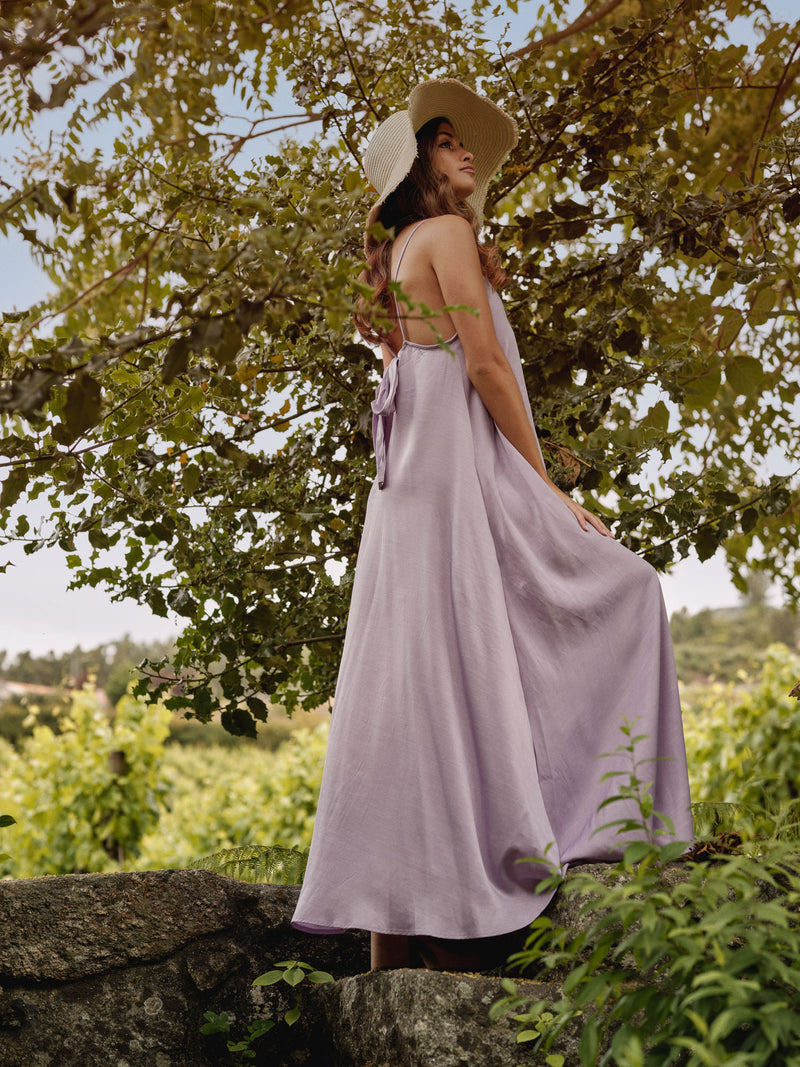 Long dress with lace back