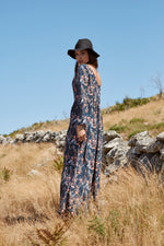 Long dress with back neckline PF19