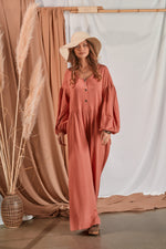 Wide jumpsuit with buttons