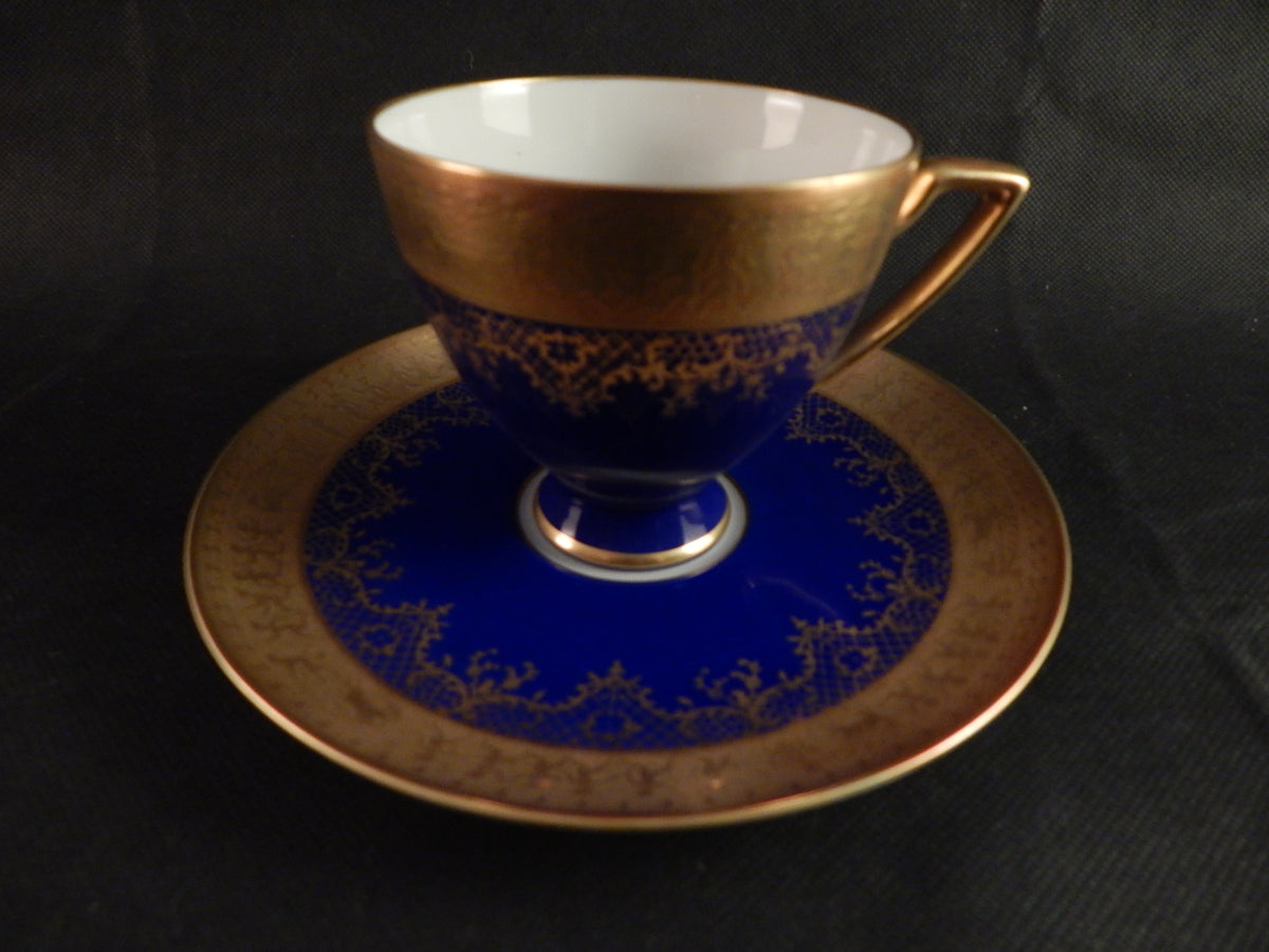 SIGNED 1930s VINTAGE CARLSBAD GOLD AND COBALT BLUE FOOTED TEACUP AND SAUCER
