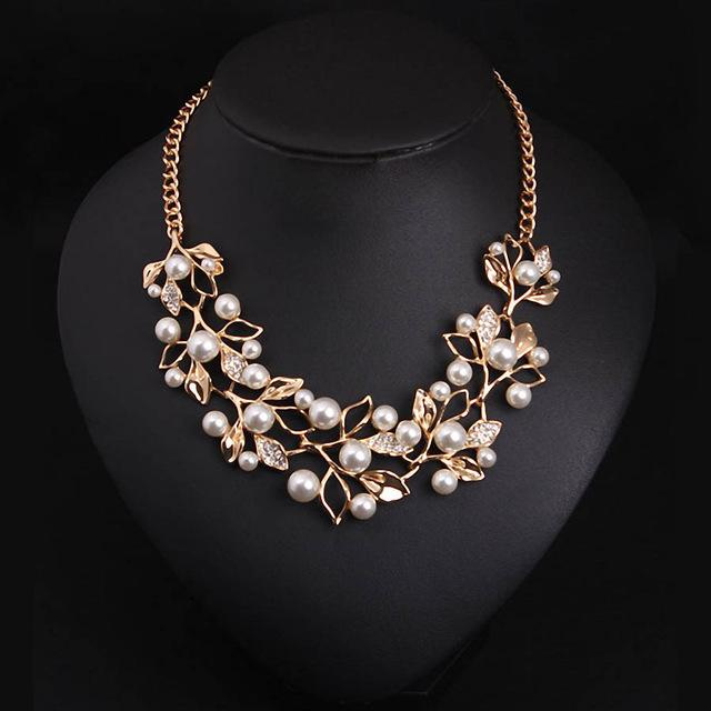 Necklaces-gold-Simulated Pearl & Pendant Leaves Classic Necklace for a Woman's Vegan Lifestyle