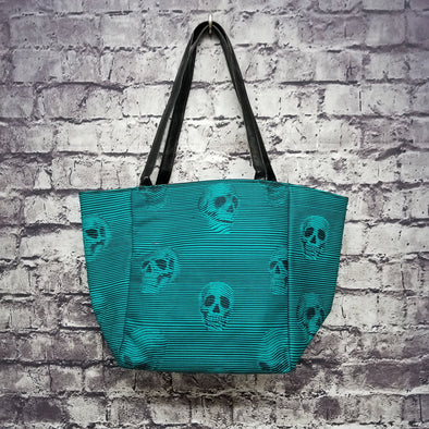 Top Notch Tote - Interlaced Skulls