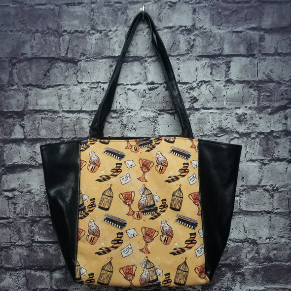 Top Notch Tote- Vinyl Hufflepuff Trinkets