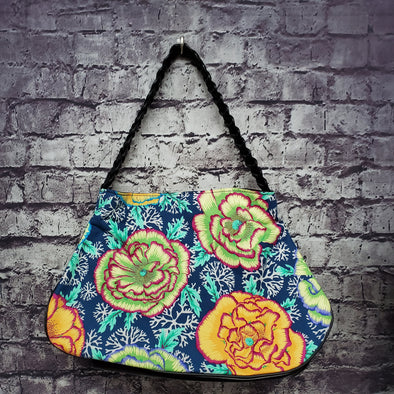 Twisted Tote -Cabbage Roses & Coral