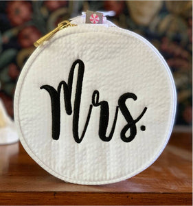 Round Zippered Bag 'Mrs' Monogram