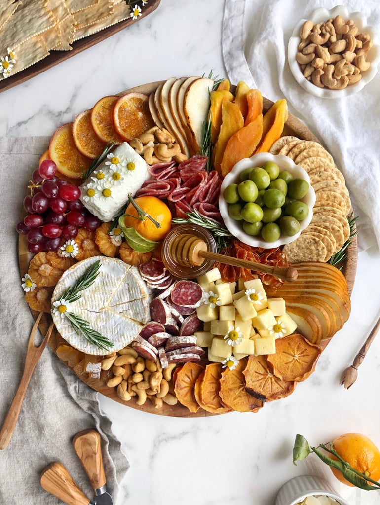 Perfect Cheese Board Honey Pairing Holiday Party @ainttooproudtomeg