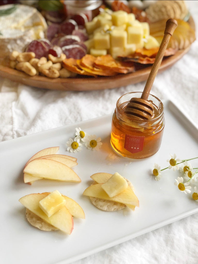 Perfect Cheese Board Honey Pairing Holiday Party @ainttooproudtomeg Acacia Honey