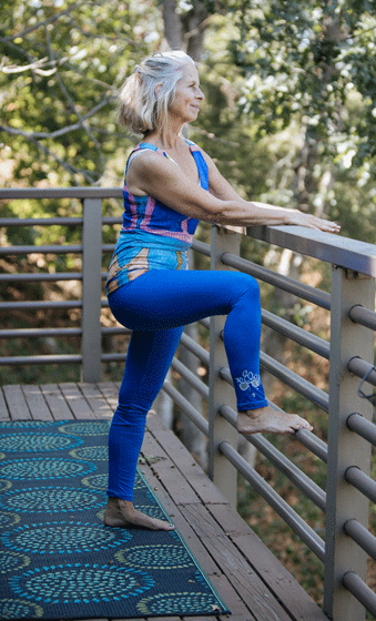 "Jammie Leggings - ""Watching and Wondering"""