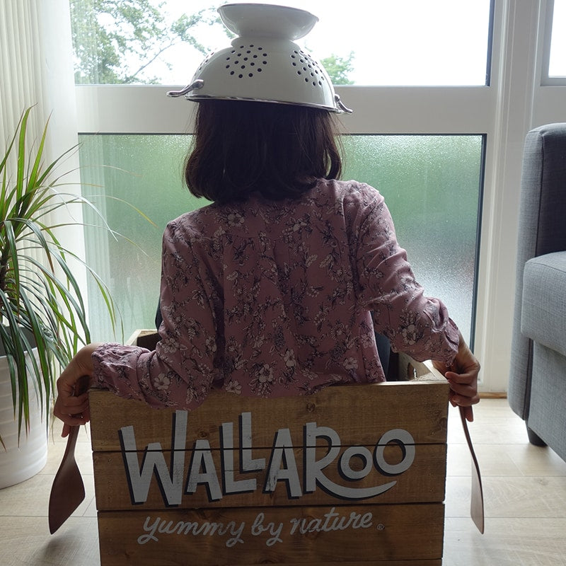Wallaroo picture of girl on crate