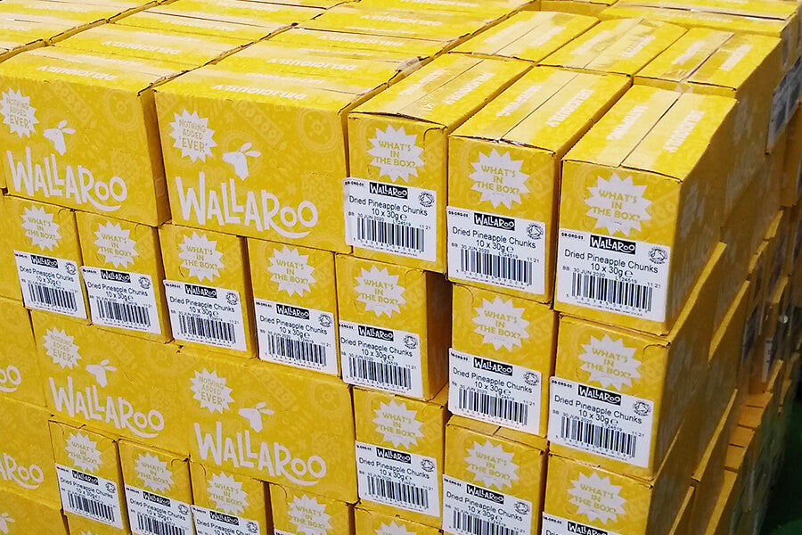Wallaroo outer box for organic pineapple chunks
