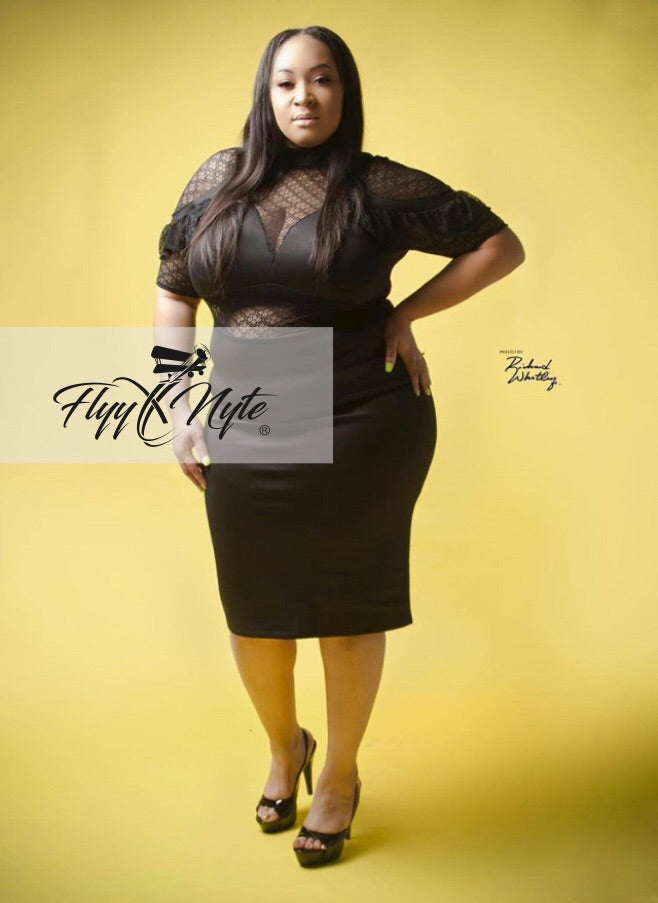 Final Sale Plus Size Sheer Shoulder Midi Dress in Black
