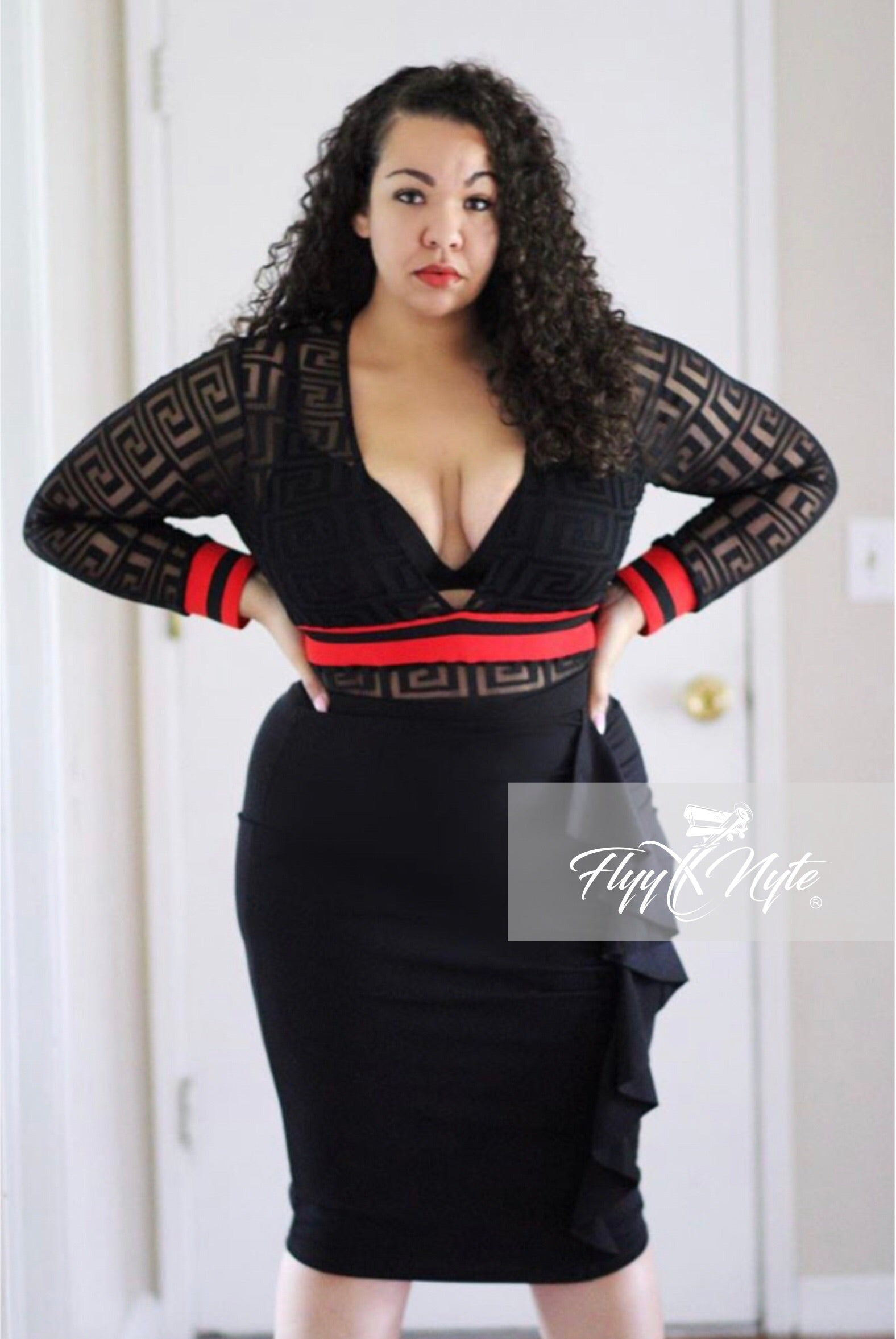 Plus Size Ruffle Pencil Skirt in Black