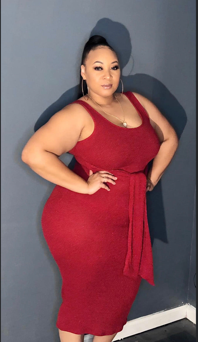New Plus Size Midi Dress with Attached Tie in Red